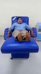 Blue Stainless Steel And Leather Microcontroller Based Donor Couch, Size: 1828 X 609 X 660 Mm
