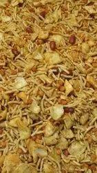 Salty Spicy Besan Papdi Mix Namkeen, Packaging Type: Machine packed