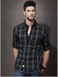 Cotton Roadster Men Black & Grey Checked Casual Shirt