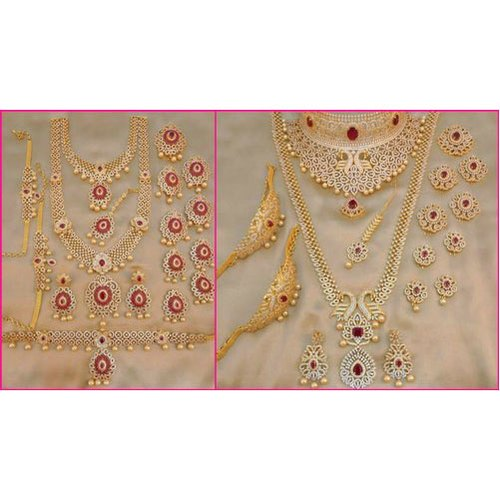 e49481acb10195 Wedding Wear South Indian Bridal Jewellery Set, Packaging Type: Box ...