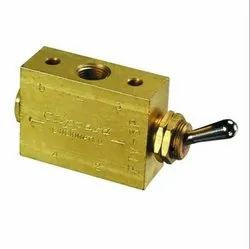 Clippard FTV-3P 3-Way Toggle Valve