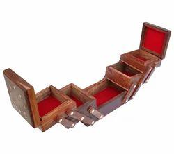 Teak Wood Brown Jewelry Box Wooden Jewelry Box Hand Made Item, Size/Dimension: 8x4x5 Inch