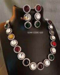 Multicolor Casual Wear kundan neclace, Size: 10 Cm