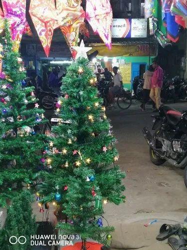 Christmas Trees Artificial.Artificial Christmas Tree
