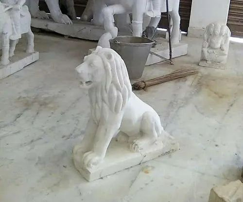Marble White Lion  Statue