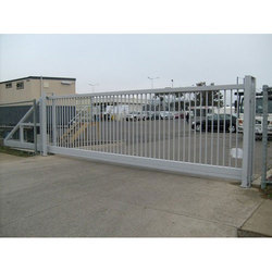 Silver Aluminum Sliding Gate, For Residential