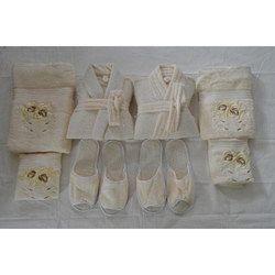 ab217c5273 Comfortlooms 8 Pcs Cream Bathrobe Set