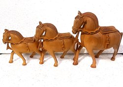 Wooden Plain Horse Set