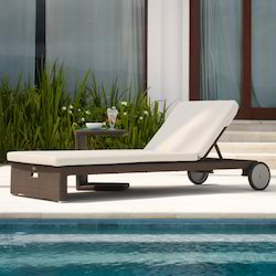 Swimming Pool Modern Lounger