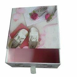 Shoe Box, < 5 Kg