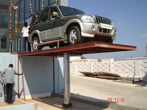 Automobile Washing Lifts - 4 Ton Car Washing Lift