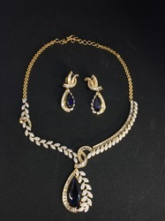 25abcd743d5ac Tanishq Diamond Necklaces - Tanishq Diamond Necklaces Latest Price ...