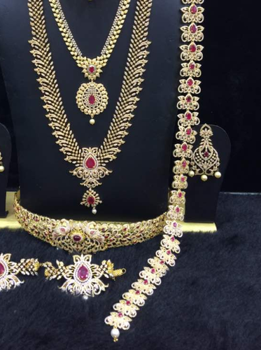 Bridal Jewelry Set For Rent 1 Bridal Jewelry Set For Rent 2