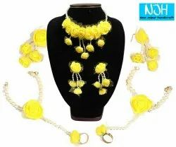 Flower Jewellery Set for Haldi / Mehendi Ceremony