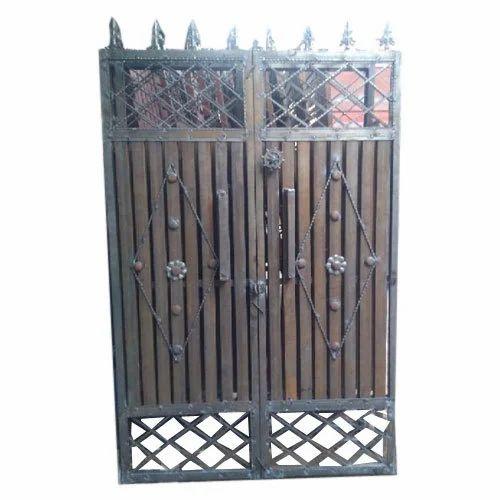 Hinged Wrought Iron Gates Rs 280