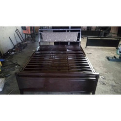 Metal Hydraulic Bed With Cushioned Powder Coated