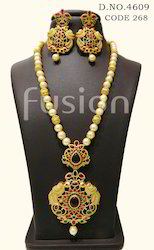 Traditional Antique Pendant Set