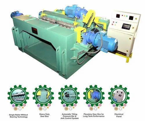 Spindleless Log Veneer Peeling Machine