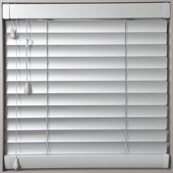Horizontal White Aluminium Venetian Blind Curtain