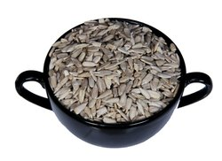 Nature Select Superfoods Sunflower Edible Seeds, Packaging Type: Packet, for Ready To Eat