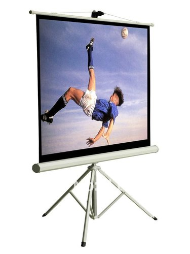 White Tripod Projection Screen Size 92 Diagonal 80x45