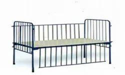 Kraft 153 Classic Pediatric Bed