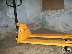Balaad Hydraulic Hand Pallet Truck, Capacity: 1500 Kg
