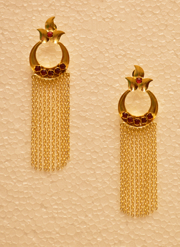 Alluring Golden Chain Drop Earring