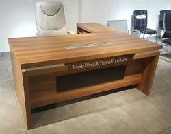 S139 Classy Office Table 6 Feet
