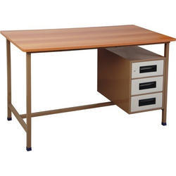Wooden Office Computer Table, Size: 36*18