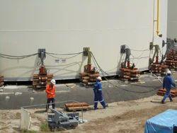 Hydraulic jacks for tank foundation repair