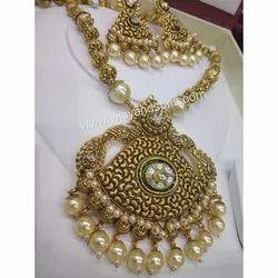Ladies Party Wear Golden Necklace Set
