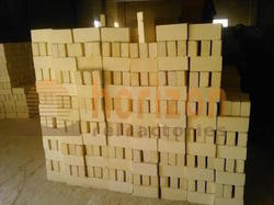 Rectangle Ceramic Mica Insulation Bricks, Packaging Type: Wooden Pallets