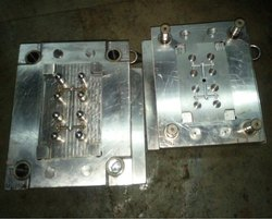 Mold for plastic component