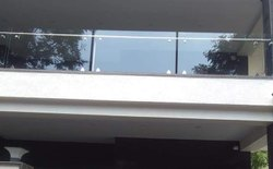 Spigot Fitting Glass Railing