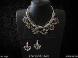 Clustered Pearls Antique Necklace Set