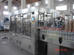 Automatic Bottle Filling And Capping Machine