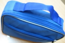 Red or Blue Thermal Insulated Medical Support Bag For Insulin & Blood From Blood Bank