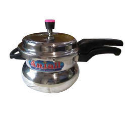 Anjali Aluminium 3.5 Litre Outer Lid Handi Pressure Cooker, Packaging Type: Box, For Kitchenware