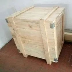 Non-Edible Rectangle Pinewood Packaging Box, for Gift & Crafts, Box Capacity: 201-400 Kg