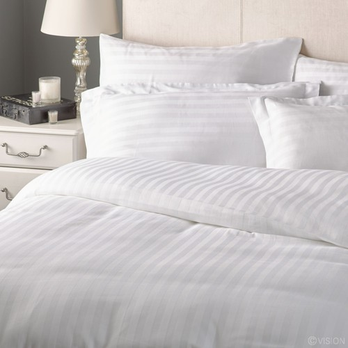 Kangaroo White And Pastel Colours White Bed And Bath Linen Rs 300