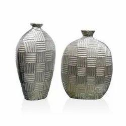 4120 Silver Vases
