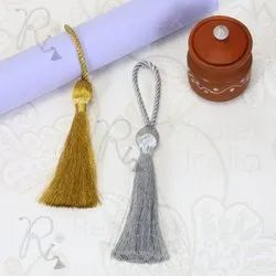 Metallic Yarn Tassel Napkin Ring