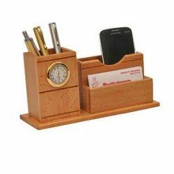 Desktop Clock with Penstand