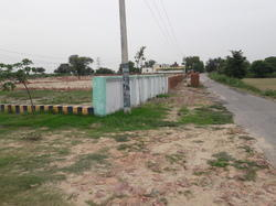 Plot For Sale In Agra, Size/ Area: 100 Sq Yd
