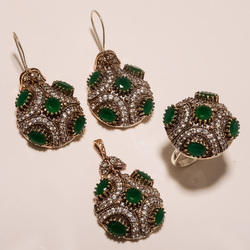 Turkish Green Ring Pendant Set