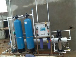 Reverse Osmosis RO Capacity: 1000(Liter/hour) Mineral RO Water Plant, FRP