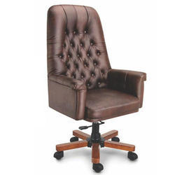 Fort Leather Chair
