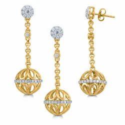Diamond Dangle Earring