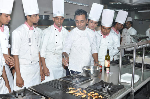 Kitchen Advanced Training Bakery Hotel Management Courses